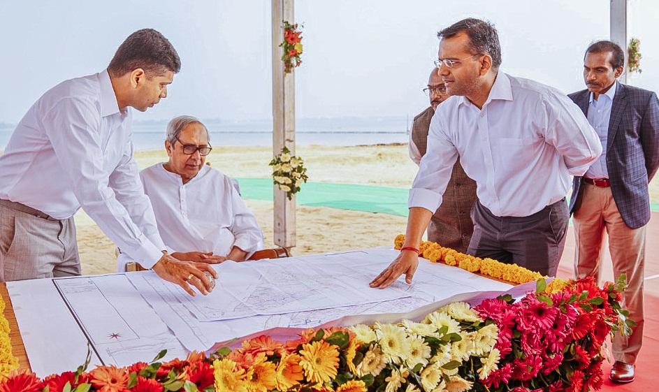 5T secretary VK Pandian and Works department secretary Krishan Kumar explain a blueprint for Bali Yatra Riverfront Improvement Project to Chief Minister Naveen Patnaik in Cuttack, Thursday