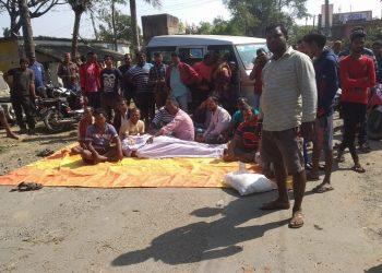 Dumper runs over a man; locals block road