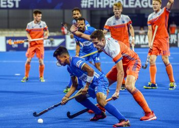 Tense midfield action during the India-Netherlands tie at the Kalinga Stadium in Bhubaneswsar, Sunday