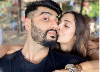 Malaika Arora kissing Arjun Kapoor wins the internet; See pic