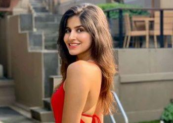 Actress Sakshi Malik makes heads turn with her latest Instagram photos