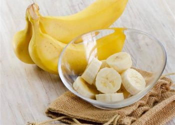 Eat bananas everyday to combat heart diseases