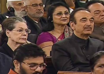 Sonia Gandhi and Ghulam Nabi Azad did not take the seats allotted for them