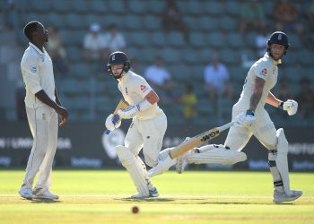 Ben Stokes (L) and Ollie Pope held the England innings together