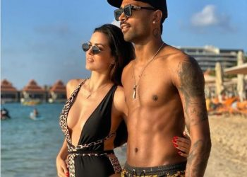 Natasa Stankovic in swimwear shares throwback picture with fiancé Hardik Pandya; see pic