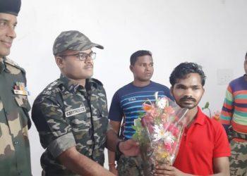 Dreaded Maoist surrenders in Malkangiri