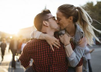 Couples in casual relationships more likely to use condoms