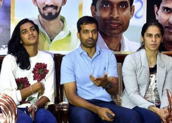 Pullela Gopichand with PV Sindhu (left) and Saina Nehwal
