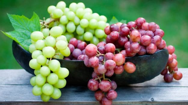 Have a handful of grapes everyday to kick off depression