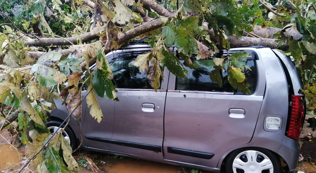 Thunderstorm wreaks havoc in Phulbani, Bolangir