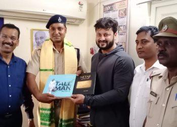 Bhubaneswar RPF constable lauded for saving woman's life