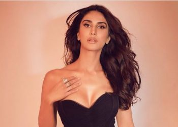 'Befikre' actress Vaani Kapoor sizzles in black; see pictures