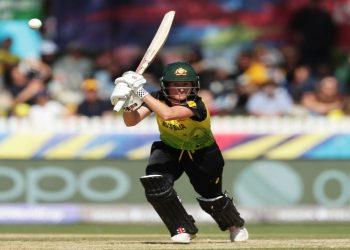 Beth Mooney scored 60 off 50 balls