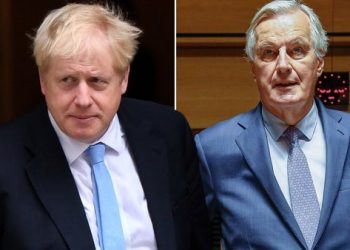 Boris Johnson (left) and Michel Barnier