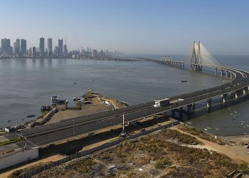 The Bandra- Worli Sea Link road wears a deserted look during 'Janata curfew' in Mumbai