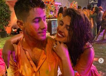 Nick Jonas joins Priyanka in India for his 1st Holi; see pic