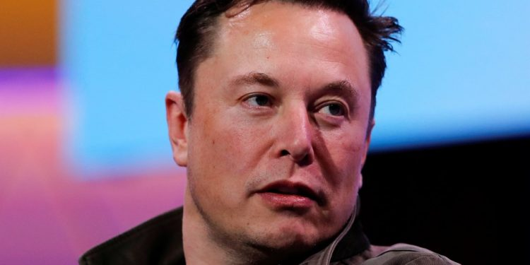 Elon Musk offers 1,255 free ventilators