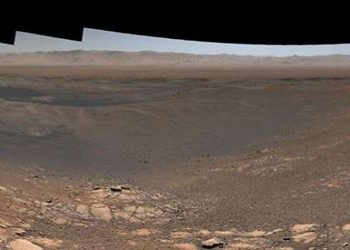 NASA Curiosity rover snaps stunning panorama of Mars surface