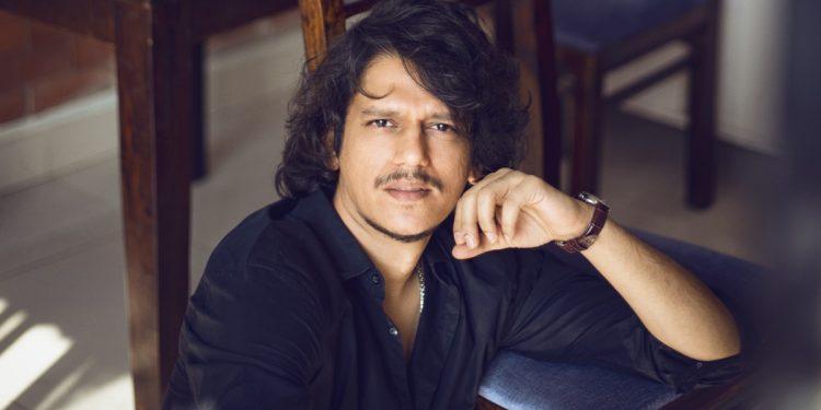 Lockdown confession: Vijay Varma hasn't worn pants in four days!