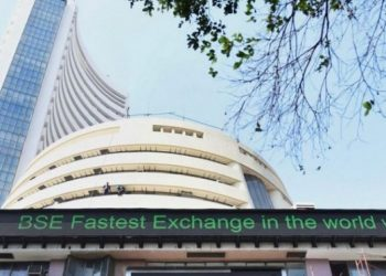 Sensex slumps over 400 pts; Nifty drops below 9,200