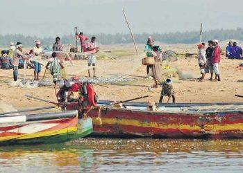 fishermen, lockdown, Aadhaar cards