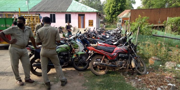 More than 100 two-wheelers seized in Bhadrak for lockdown norm violation
