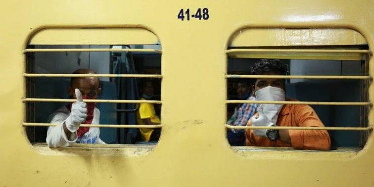 Over 5000 migrants to reach Odisha in special train Monday, 12-hour curfew in Titlagarh