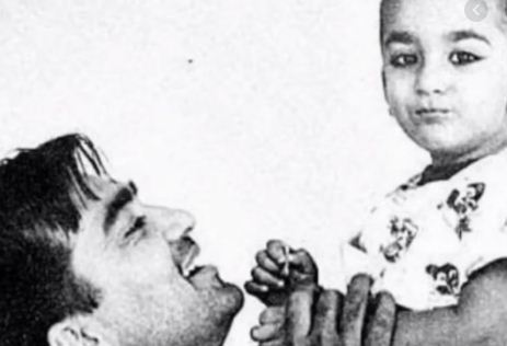 Sunil Dutt's 15th death anniversary: Sanjay Dutt remembers dad shares video
