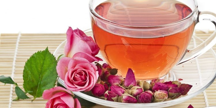 Rose tea works like magic for our body, reduces weight; Read more