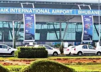 Odia returnees arrive at BPIA on special flight from Mumbai, 2 more flights to reach today