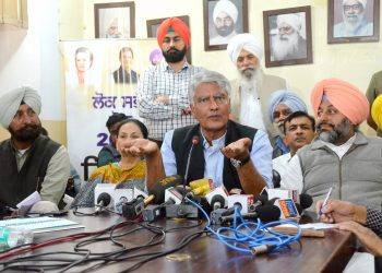 Chandigarh: Punjab Congress President Sunil Jakhar addresses a press conference in Chandigarh, on March 26, 2019. (Photo: IANS)