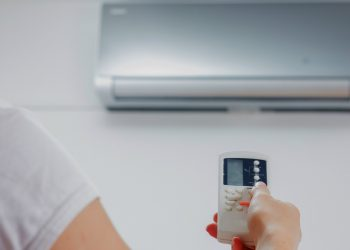 Wrong temperature setting of air conditioner can harm your health; this should be the room temperature