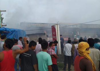 Clothes, sarees worth lakhs gutted as fire breaks out at saree centre in Bhadrak
