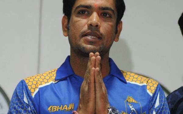 Cricketer Laxmi Ratan Shukla  (Pic courtesy-CricTracker.com)