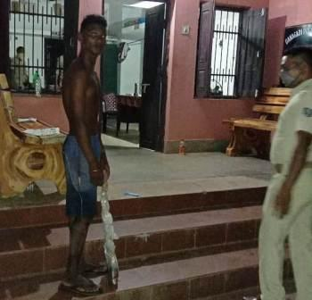 Man moves around with severed head in Jajpur, arrested