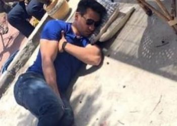 The Humble Superstar: Pic of Tiger Shroff sleeping on the floor is winning hearts on social media
