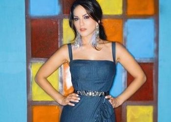 Sunny Leone is back to 'boring home gym'; see pic
