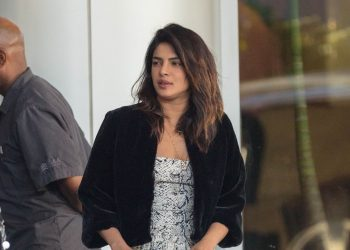 Cost of international actress Priyanka Chopra's bag will blow your mind