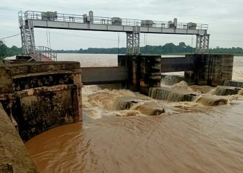 Baitarani flows above danger level, Bhadrak district residents fear floods