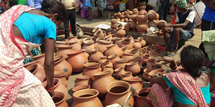 Potter communities in Odisha's Keonjhar district lose business to COVID-19