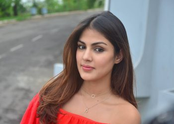Shocking! Rhea Chakraborty used her mother's phone to procure drugs