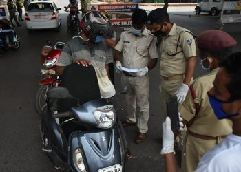 COVID-19 crackdown 21 shops sealed, 5,188 persons booked for violating norms in Bhubaneswar, Cuttack