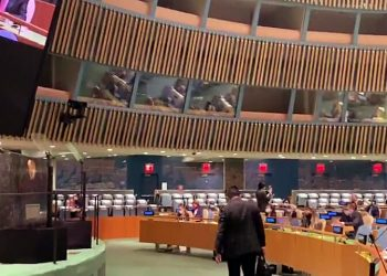 Indian delegate walks out of UNGA protesting Imran's diatribe