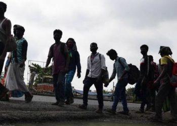 Migrants pack up return bags