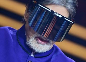 Amitabh Bachchan wears face shield on KBC 12 set, urges all to be safe