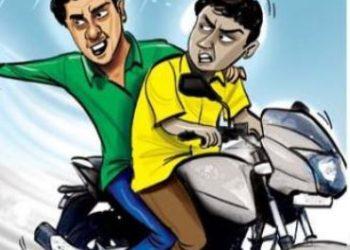 Bike-borne miscreants loot Rs 5 lakhs from businessman in Odisha's Bolangir