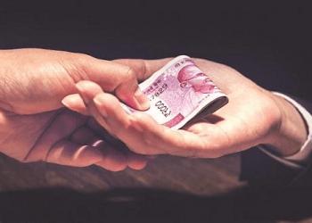 WESCO junior engineer caught taking bribe in Sundargarh