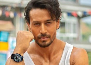 Tiger Shroff shares glimpse of early photoshoot