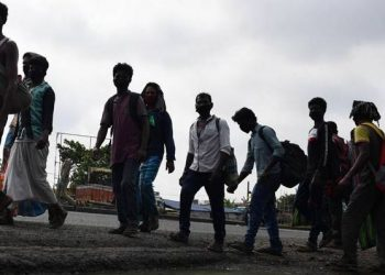Bolangir admin rescues 21 labourers on way to Andhra