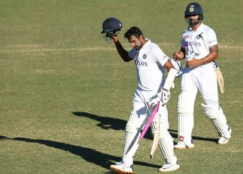 Hanuma Vihari and Ravi Ashwin